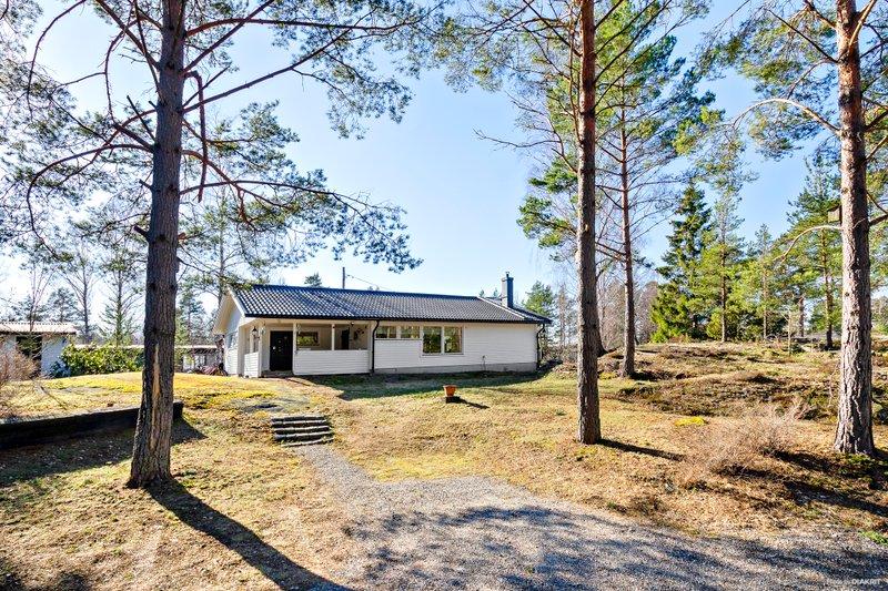 Inger Viola Pettersson, Sdra Kopparmoravgen 23, Vrmd
