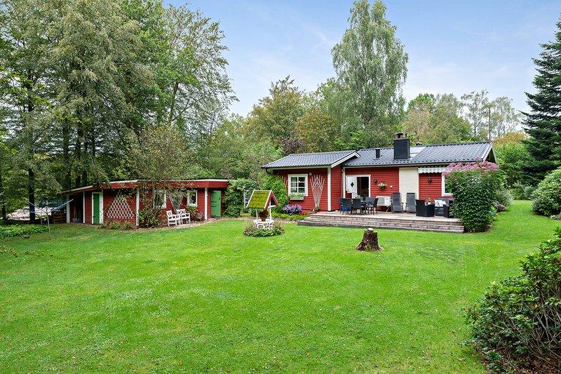 Nyinflyttade p Tstarpsvgen 145, Munka-ljungby | unam.net