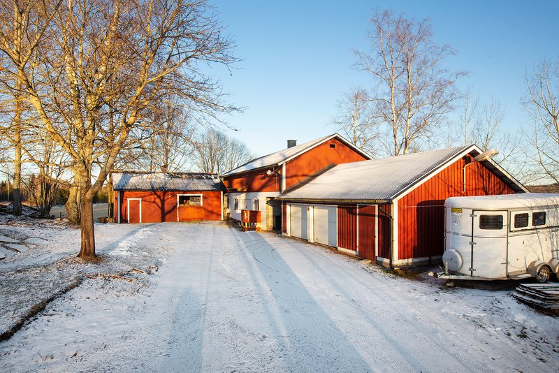 Jimmy Hallstrm, Rnningsholmsvgen 2, Torsker | satisfaction-survey.net