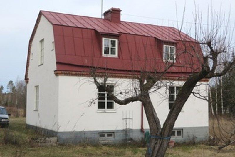 Ronja Jendelv, Tensta-Brunna Svartmyren 19, Vattholma