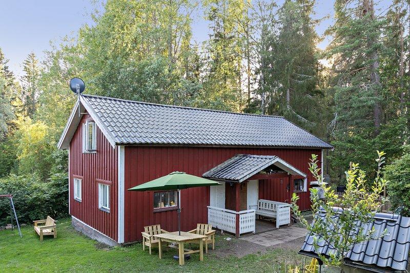 Kajsa Petersson, Edsbro Bruksgata 6, Edsbro | unam.net