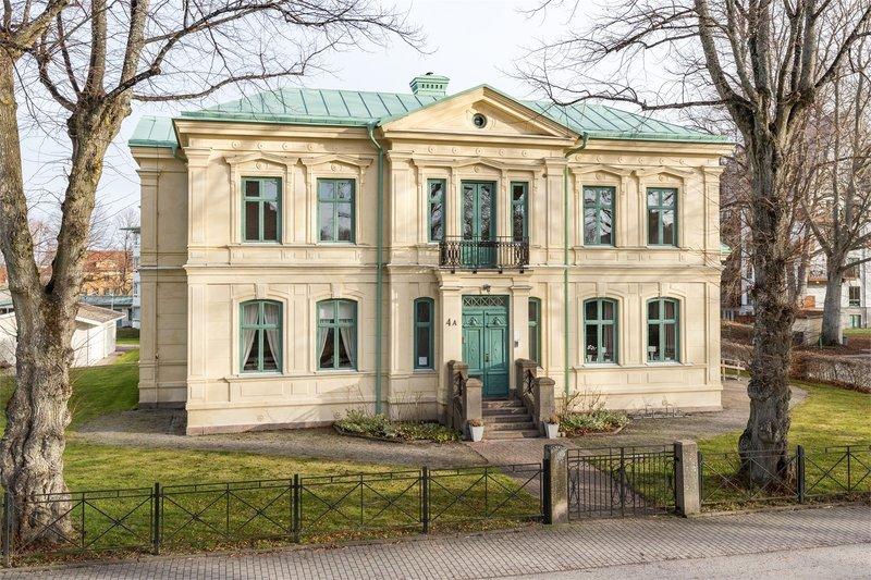 Mikael Karlsson, stra Jrnvgsgatan 15, Mariestad | unam.net