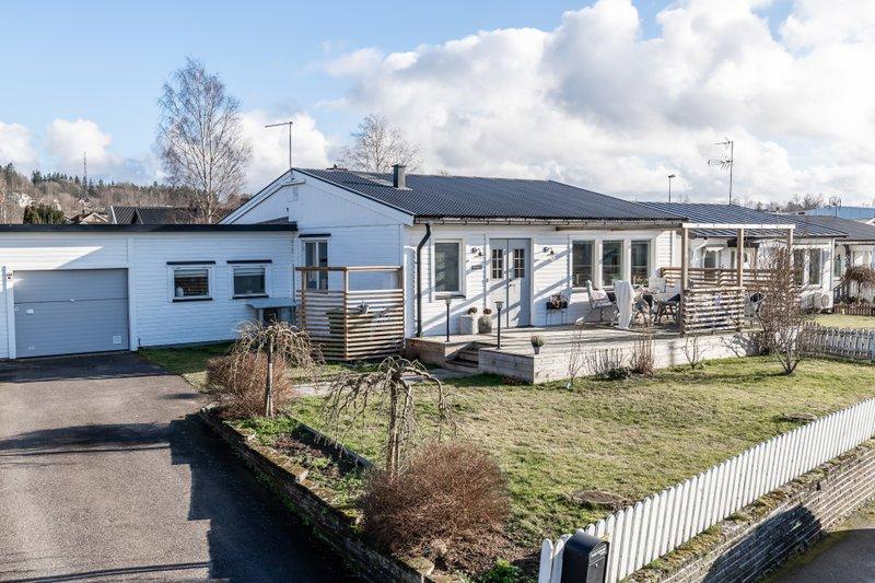 Anna Kristin Koefoed, Mjlarydsvgen 26, Tenhult | unam.net