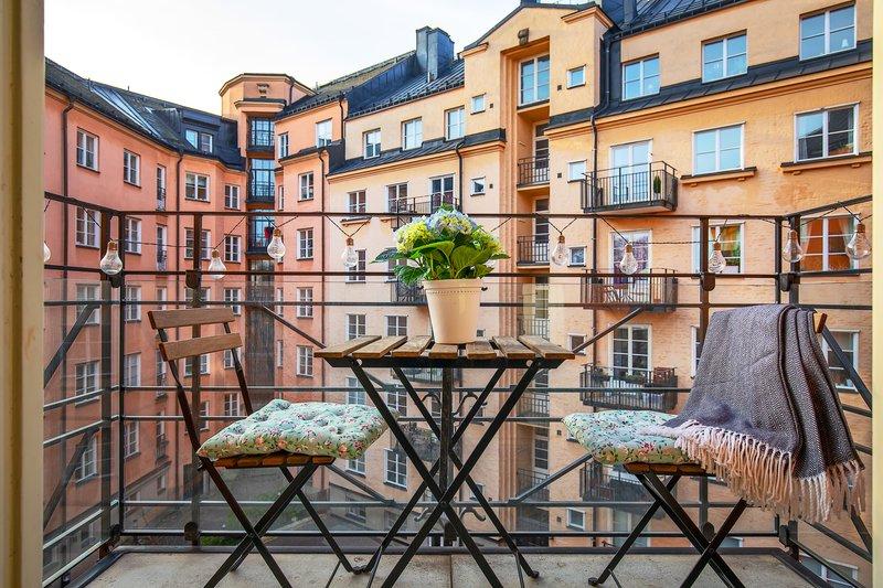 Ninve Janzon, Sankt Gransgatan 95, Stockholm | unam.net