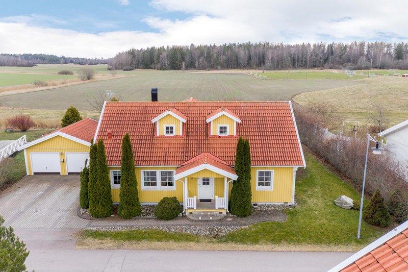 Mn i Enhagen-Ekbacken - Singel i Sverige