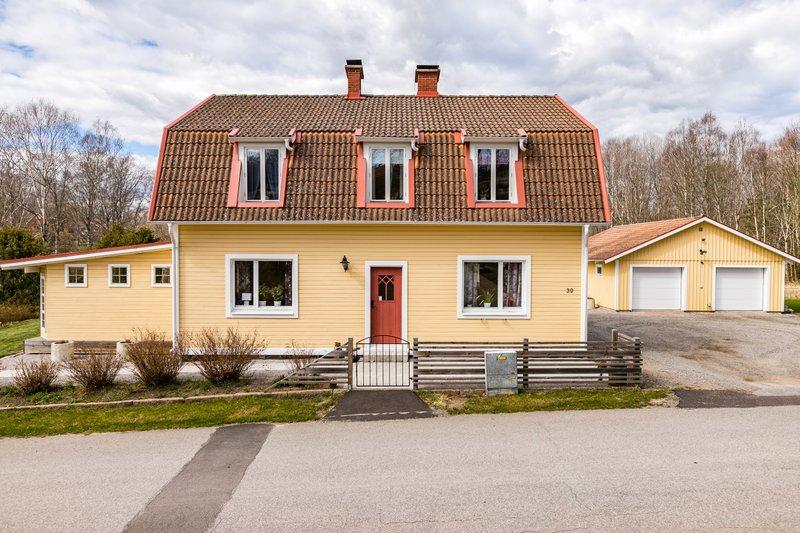 Nyinflyttade p Bredabcksvgen 32, Rdeby | garagesale24.net