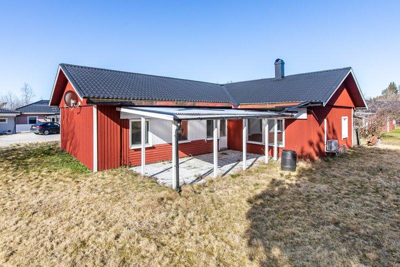 Jennifer Jansson, Klockarbergsvgen 11A, Skinnskatteberg