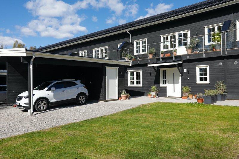 Ulduz Babayeva, Vajervgen 10, Garphyttan | garagesale24.net