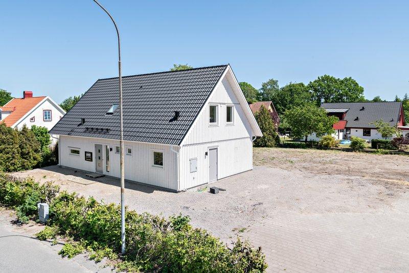 Karina, Rommestorp 1385, Vinslv | unam.net