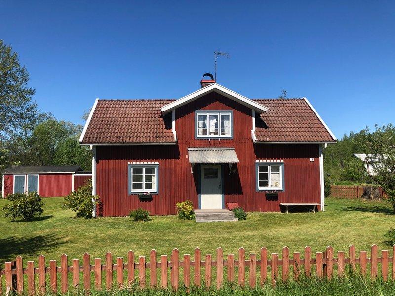 Ingrid Abelsson, hult Norragrden 1, Landsbro | unam.net